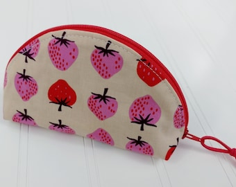 Dumpling Zipper Pouch - Strawberries