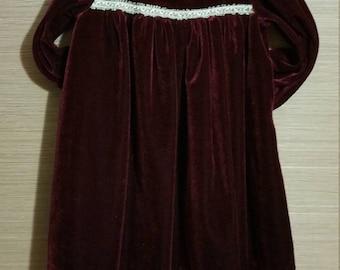 Free Shipping - 4T -  An adorable little girl, plush burgendy velvet vintage dress of quality.
