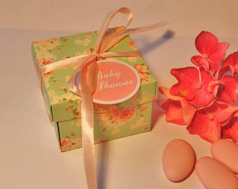 Box dragees or shabby cottage chic style gift wrapping