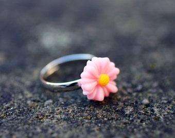 Light Pink Daisy Flower Adjustable Ring
