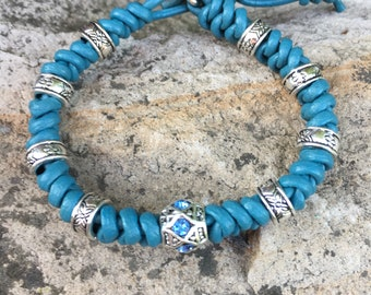 Bracelet leather, leather bracelet braided, knotted, turquoise, knot bracelet, shutter button