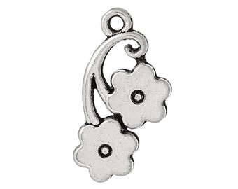 Set of 10 - Small Floral Vine Charms   (1030)