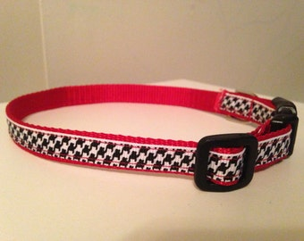 Black and White Houndstooth on Red Nylon Alabama 1/2 inch Small Dog Collar