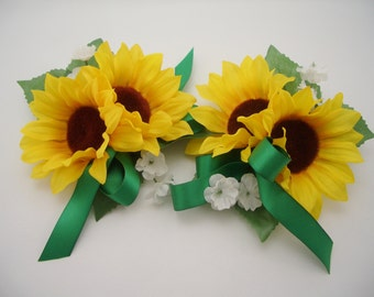 Sunflower Corsage, Flowers for wrist, Wedding or Prom gift, emerald green, 1 corsage