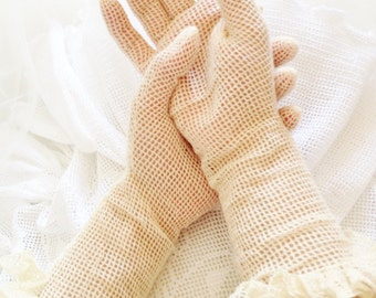 Frilly evening gloves, beige ruffle gloves, soft creamy vintage style gloves, ecru accessory for any special occasion with classy dresscode