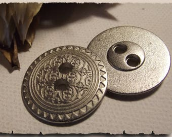 3 Metal look cast aluminum * 23 mm 2.3 cm 2 hole buttons * button silver sewing