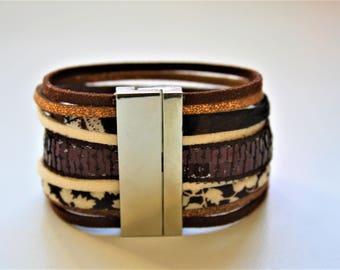 """Jungle"" light brown Cuff Bracelet"