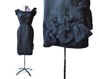 1950s cocktail dress, Wiggle dress, black cocktail dress, vintage cocktail dress, 50s vintage dress, 50s cocktail dress, bow dress