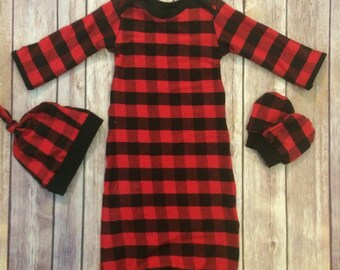 Buffalo plaid baby gown, knot hat, and no scratch mittens, newborn set, Christmas baby