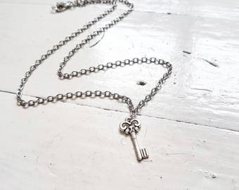 Key Necklace // Steampunk Jewelry // Steampunk Necklace // Alice in Wonderland // 21st Birthday Gift // New Home Gift