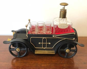 Tilso Music Box Decanter with 6 shot glasses