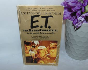 Vintage 1982 E.T. Extra Terrestrial In His Adventures On Earth Book PB paperback Steven Spielberg Alien