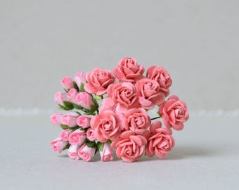 25   Salmon Pink Paper Rosebuds and Roses