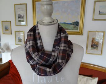 Scottish fabric /en Snood / polyester, viscose / beige, purple and green/soft and warm/fashion/beauty/beautiful fallen volume /pratique accessory