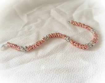 Bracelet knot in rose gold