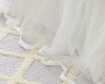 Queen Size Tulle Bed Skirt