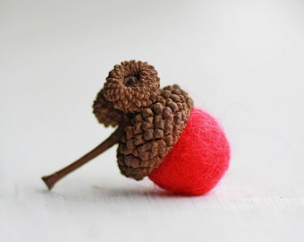 Set of 12 RED  Wool Felted Acorns- As Seen In Better Homes and Gardens Food Gift Magazine| boho, cottage chic, woodland, rustic