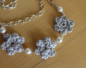 Crochet silver flower and pearl necklace