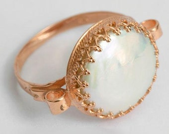 Solid Rose Gold engagement ring, gold Pearl Ring, coin pearl ring, gold crown ring, pearl engagement ring, dainty gold ring - Dejavu RG1172