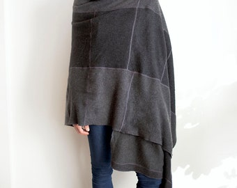 recycled cashmere wrap in dark gray