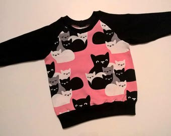 Childrens long sleeved t-shirt with cute cats. 2-3 years