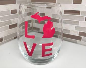 Love MI Wine Glass