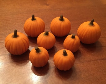 Dollhouse miniature realistic pumpkin for fall Thanksgiving Halloween crafts