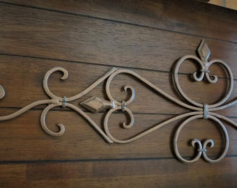 Fleur de Lis Metal Wall Decor / Scrolled Wrought Iron Wall Hanging / Aged Copper or Pick Color / Metal Scrolled Wall Art / Indoor Outdoor