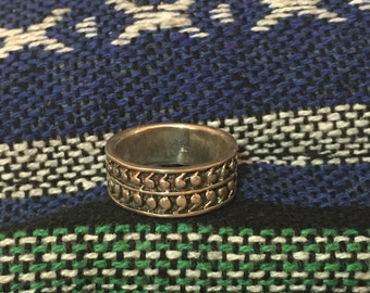 Vintage Ring...Sterling Silver Ring....Silver Ring...Silver Vintage Band...