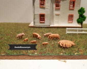 Miniature scale 1: 144 pig (one unit), micro miniature dollhouse