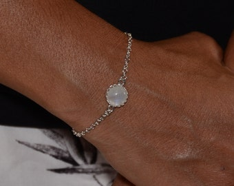 Rainbow Moonstone bracelet. Moonstone Jewelry. Moonstone silver bracelet