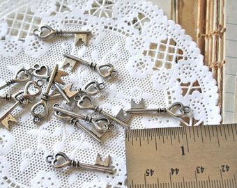 100 Tibetan Silver Heart Keys