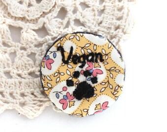 Brooch - Embroidery Brooch - Brooch Pin - Vegan Brooch - Brooch - Floral Brooch - Embroidery Paw Print - Vegan - Handmade Embroidery
