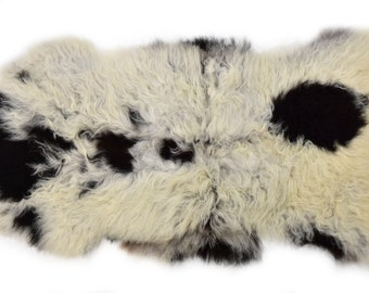 "Authentic Handmade Long Hair Sheepskin Pelt, Ethically Sourced in Europe, Genuine Leather, Sheepskin Throw, Off-White Black 1'10"" x 3'4"""