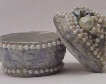 vintage jewelry box, porcelain vanity box, trinket ring box, hand painted box, floral jewelry box, blue white box, embellished box, ohmy5605