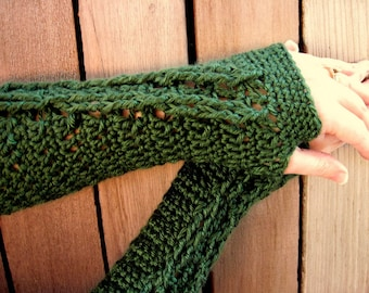 extra soft forest green fingerless gloves with cable decoration
