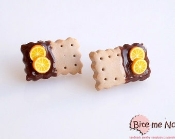 Polymer clay Jewelry Chocolate-Orange Biscuits Studs, Mini Food, Post Earrings, Polymer Clay Sweets, Miniature Food, Foodie, Kawaii Jewelry