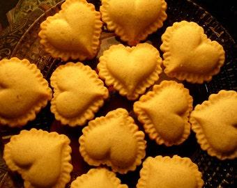 Ruffled Heart Valentine's Day Stoneware Cookie Mold