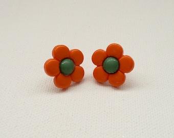 ns-Orange and Green Daisy Stud Earrings