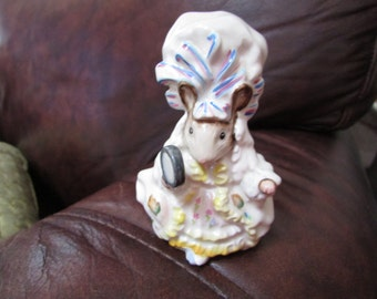Vintage Beswick England Beatrix Potter LADY MOUSE Tailor of Gloucester Figurine with BP2a Old Gold Stamp