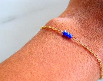 Raw Sapphire Bracelet, September birthstone beaded bracelet, delicate bracelet stacking bracelet, bohemian wedding jewelry, bridesmaid gift