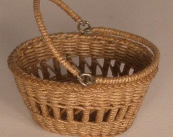 Dollhouse miniature, Wicker basket, scale 1 : 12, WC/001