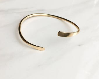 Simple gold tone bangle bracelet / adjustable / layering bangle/ layering bracelet/ chic and simple/ christmas gift, present