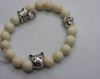 Bracelet made of natural jade for men or women with brass spacers