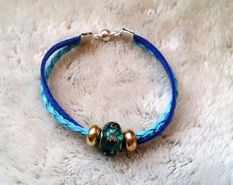 Bracelet turquoise braided cord and suede electric blue