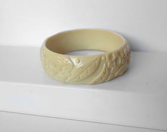 Vintage Carved Celluloid Bangle Bracelet Ivory Color
