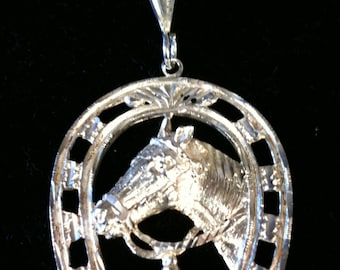Beautiful St/Silver Horse Shoe Charm 19.9 gm.