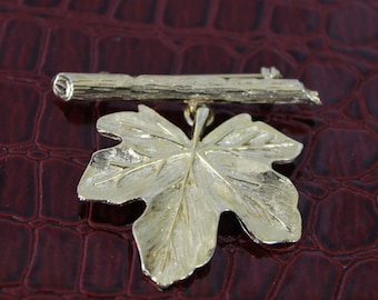 Gold Tone Leaf Brooch.