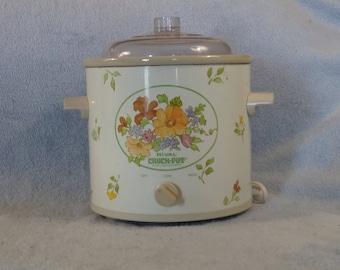 Vintage Rival Crock Pot Slow Cooker Quart For 2 RV Apartment Size Retro 1970's Non Removable Crock Spring Flowers Beige Clean Model 3100-2