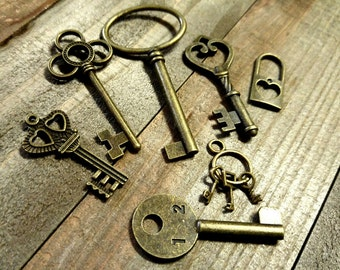 Bulk Skeleton Keys-Key Pendants-Skeleton Keys-Steampunk Charms-Assorted Charms-Bronze Key Charms Key Pendants *